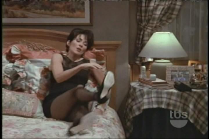 Patricia heaton wearing pantyhose